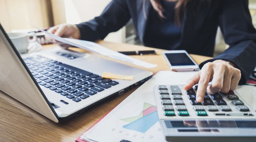 What it Takes to Become an Accounting Specialist